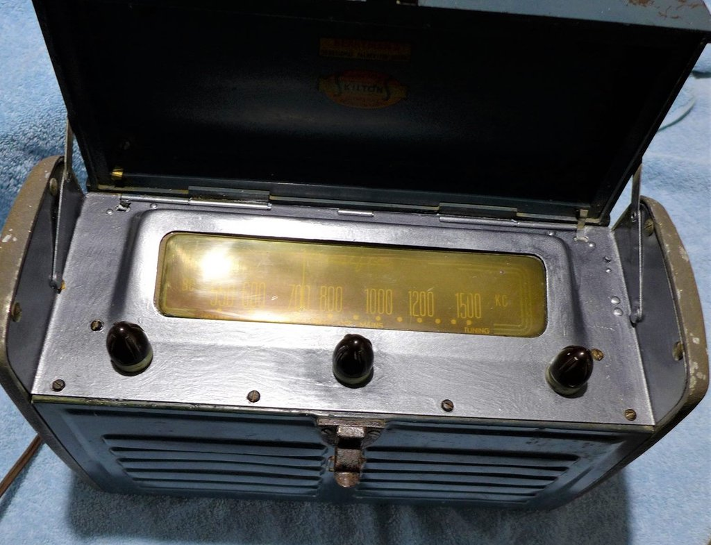 NZ Vintage Radio - 1948 Pacific (Post-WWII) 6P8