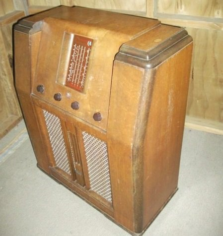 NZ Vintage Radio - 1946 Pacific (Post-WWII) model 756