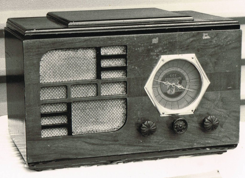 NZ Vintage Radio - 1935 Paramount (North Island) AR