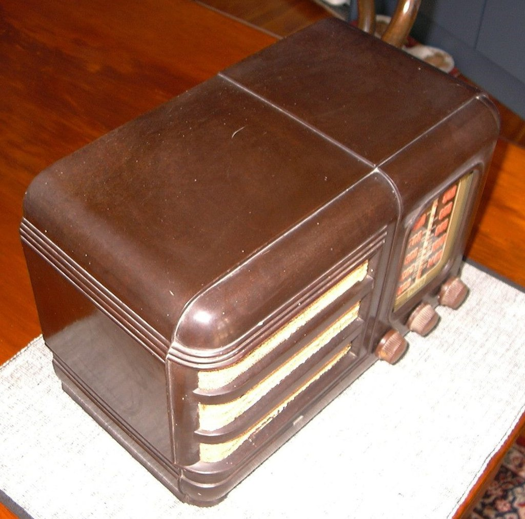 NZ Vintage Radio - Philco 201