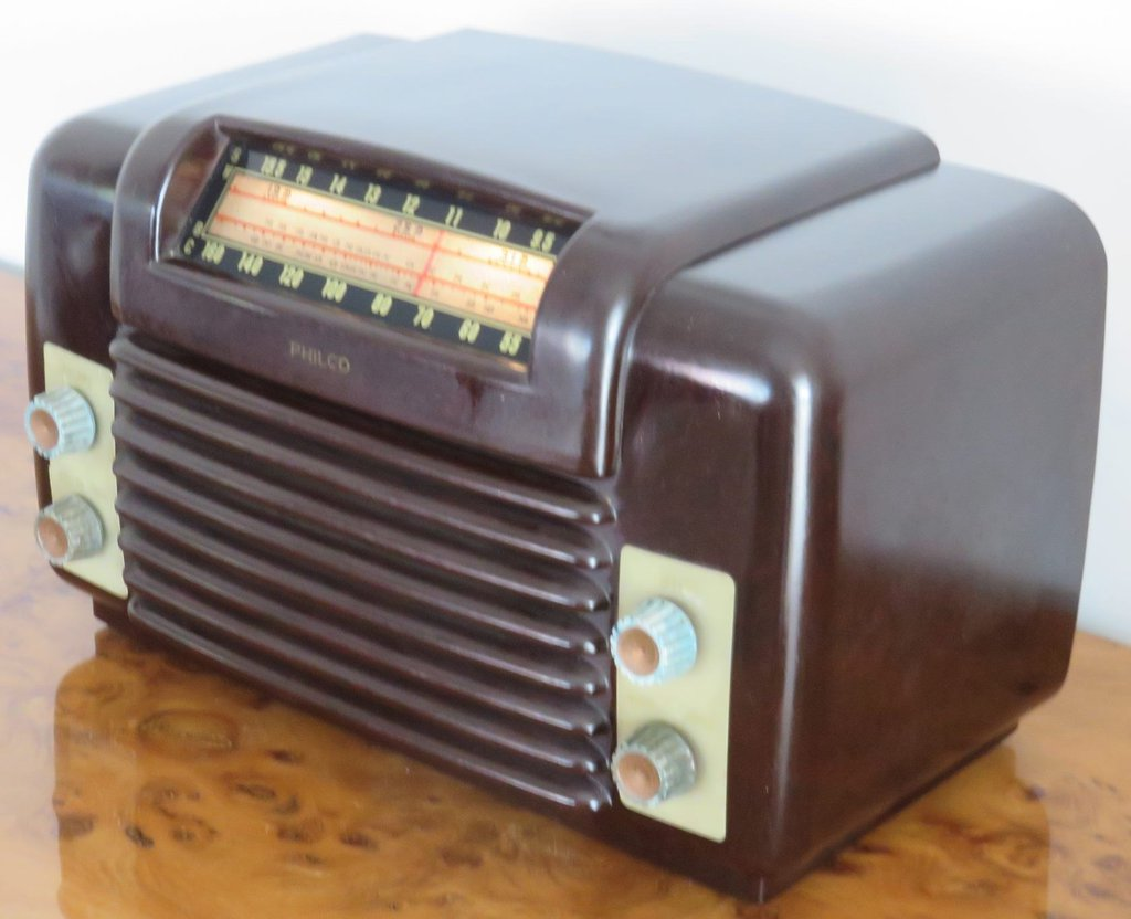 NZ Vintage Radio - 1952 Philco model 521