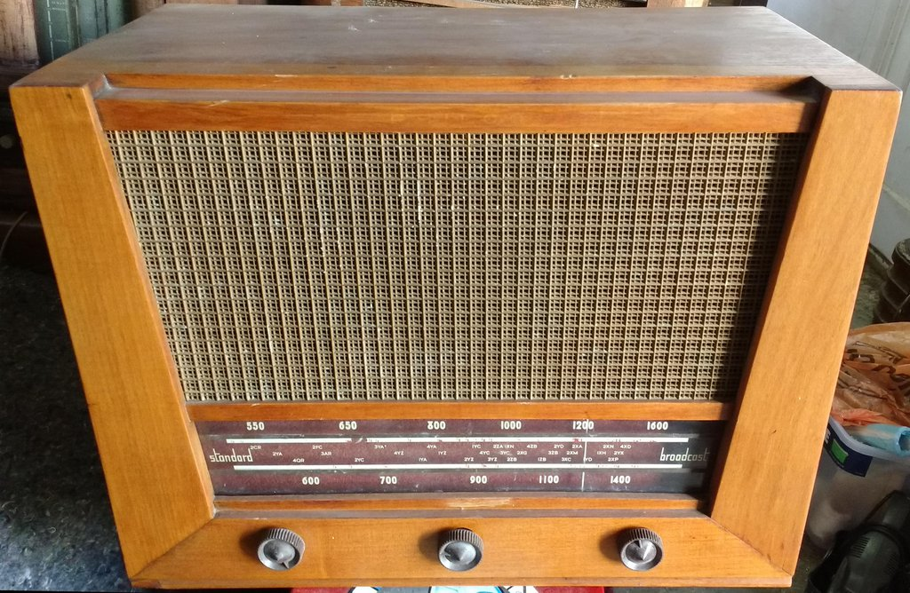 NZ Vintage Radio - 1952 Philco model 612