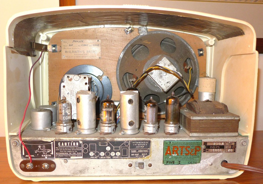 NZ Vintage Radio - 1950 Philips 210A