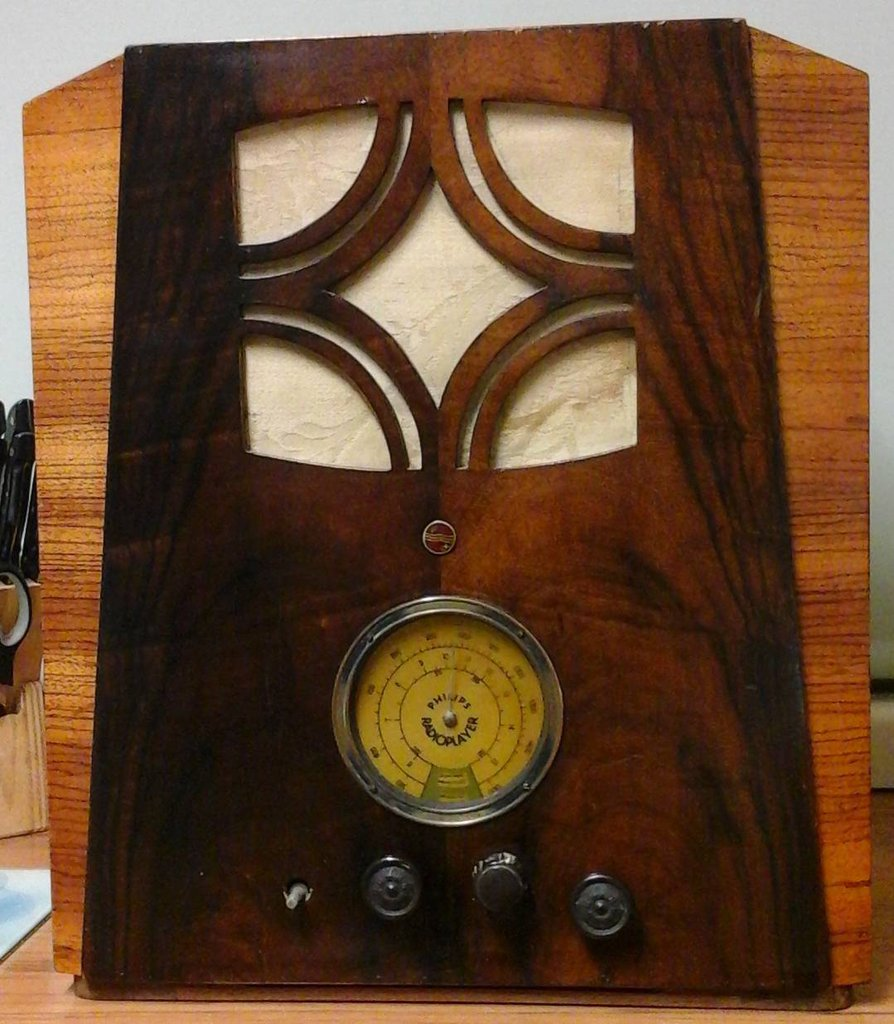 NZ Vintage Radio - 1935 Philips 666D