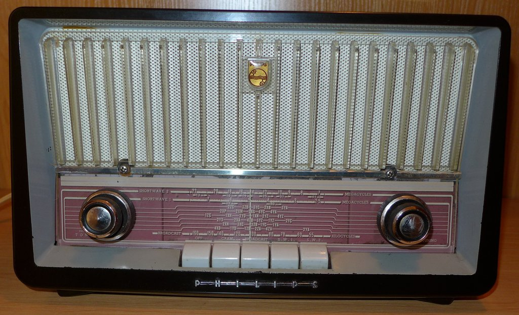 NZ Vintage Radio - 1958 Philips B3Z75U