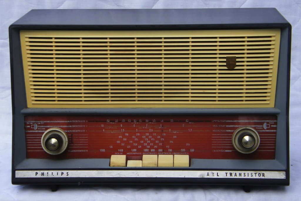 NZ Vintage Radio - 1961 Philips B3Z96T