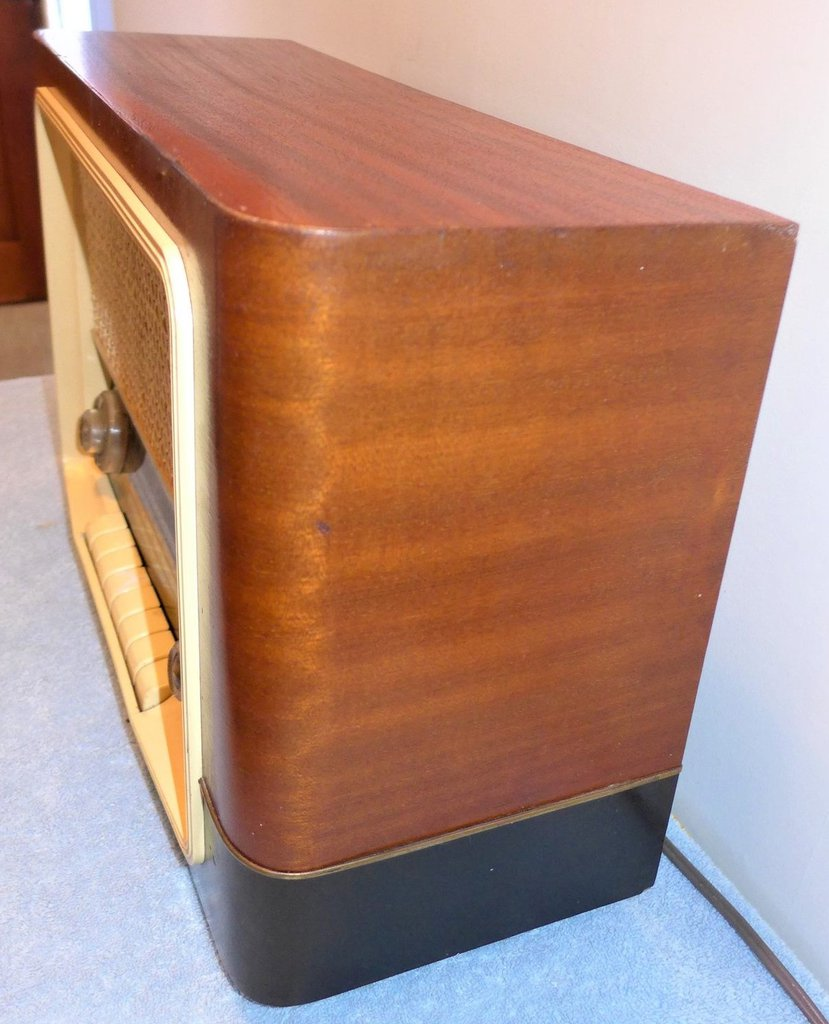 NZ Vintage Radio - 1967 Pye model 222
