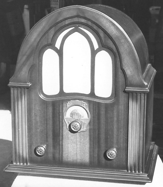NZ Vintage Radio - 1932 Troubadour Table 6