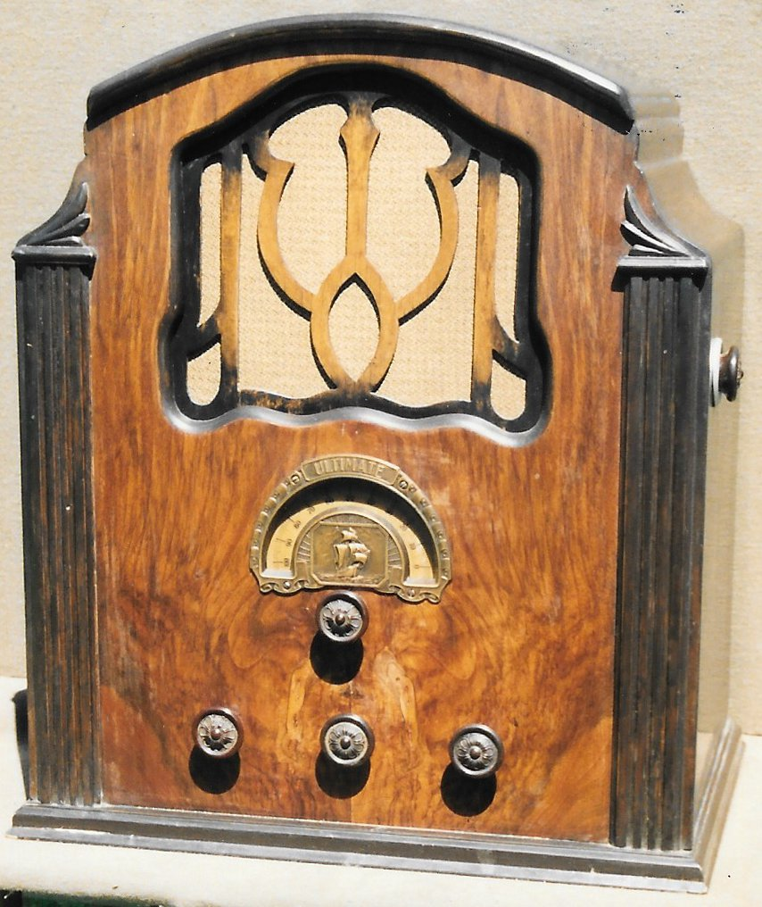 NZ Vintage Radio - 1933 Ultimate model 829