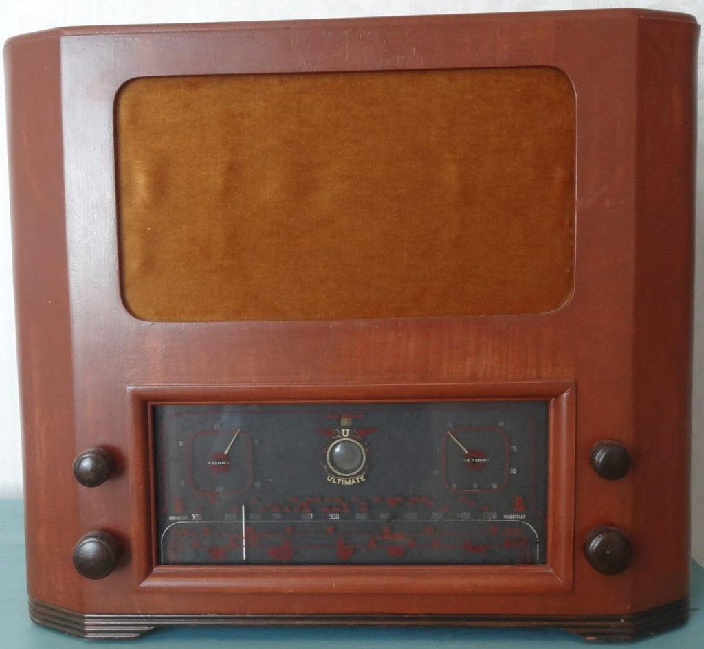 NZ Vintage Radio - 1939 Ultimate COU Front