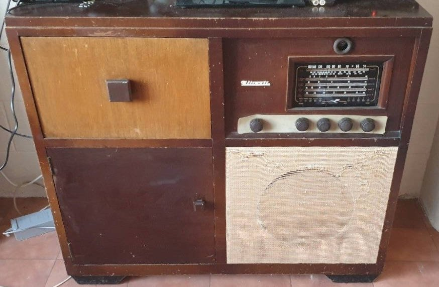 NZ Vintage Radio - 1951 Ultimate RBH