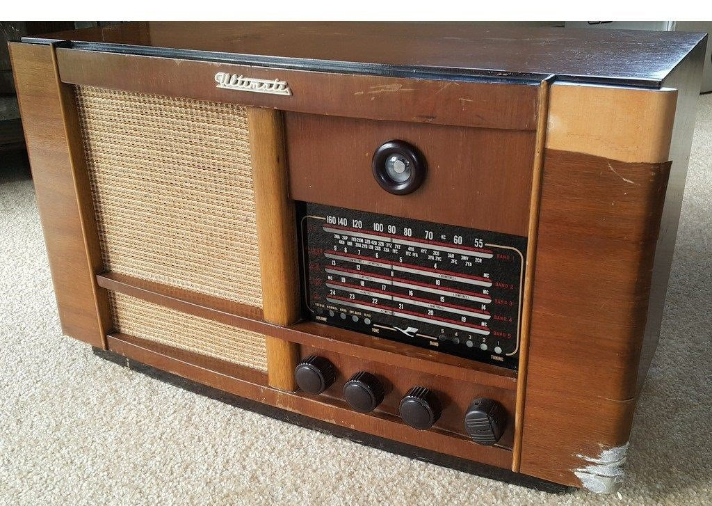NZ Vintage Radio - 1951 Ultimate RBH 'Drummond' original model